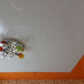 натяжные потолки со спайкой полотен фото