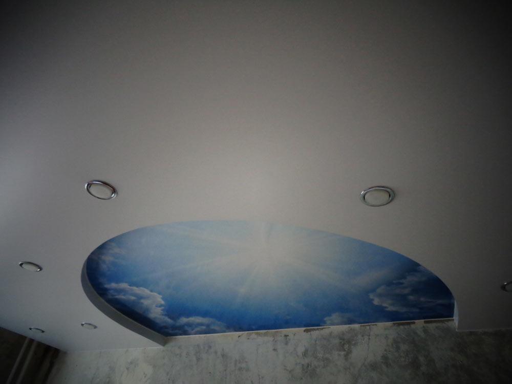 двухуровневый натяжной потолок фото